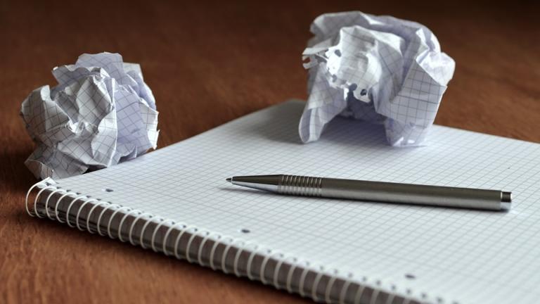 cahier stylo brouillon